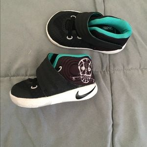 Children's kyrie Irving size 4